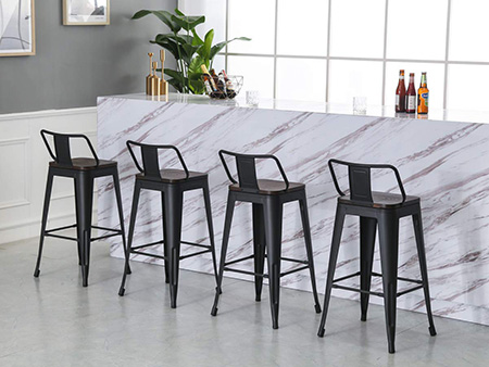 How to pick a metal bar stool for dining room?